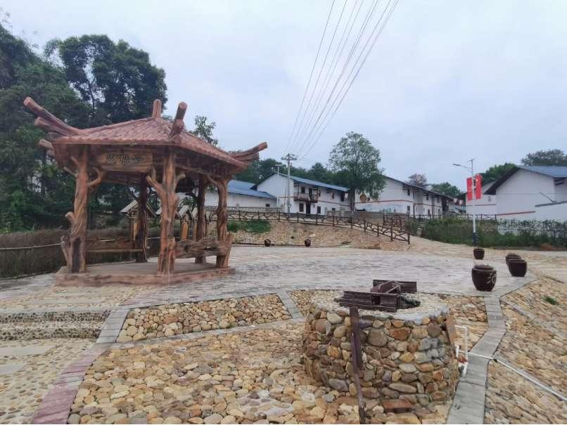 安西镇窑岗村